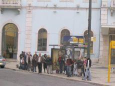 santa-apolonia_bushaltestelle_wartende