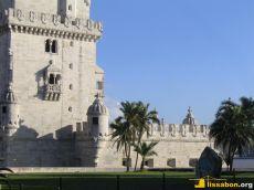 Der Torre de Belém ist heute von einem Park umgeben