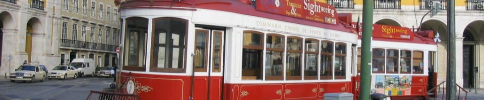 tram_rot_zwei_bahnen