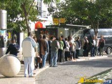 bushaltestelle_warteschlange