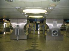 metro_campo-grande_edelstahloptik